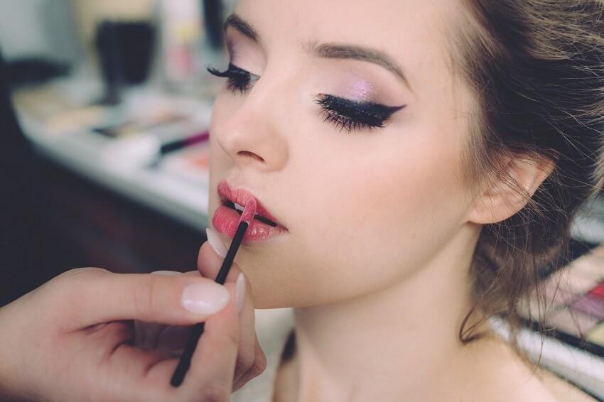 美容部員の技術差