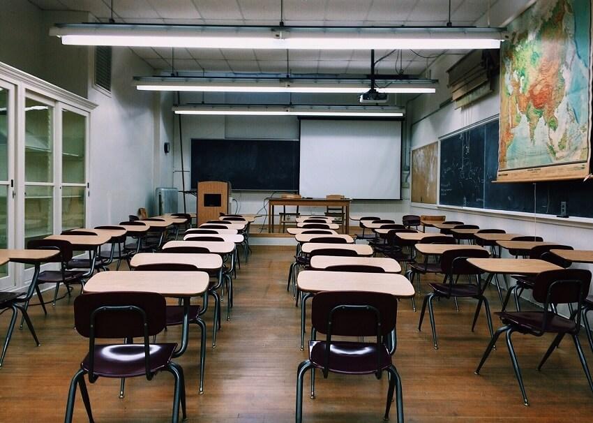 美容学校の教室の画像